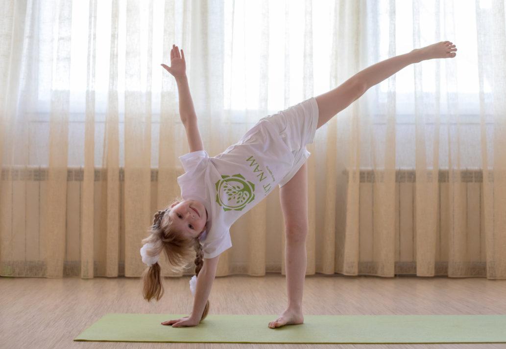 дети йога